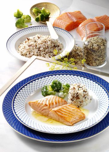 Fischrezept: Lachsfilet mit Zitronenbutter und Reis - Foto: Wirths PR