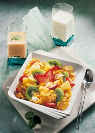 Müsli-Rezept: Muntermacher-Müsli mit Muntermacher-Drink (Vegetarier geeignet) - Foto: Wirths PR