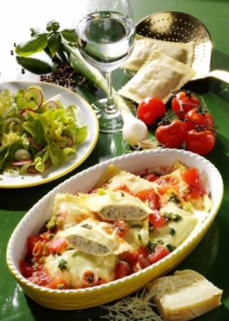 Hauptgericht: Maultaschen mit Fleischfüllung in Tomaten-Sauce - Foto: Wirths PR