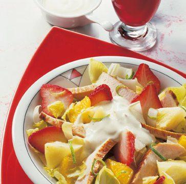 Geflügelsalat-mit-Erdbeeren